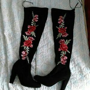 Wild Diva Lounge above knee heel boots